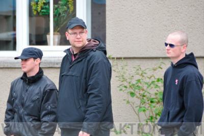 Nazihooligans aus Delmenhorst. Rechts, Felix Stolte (Bookholzberg)